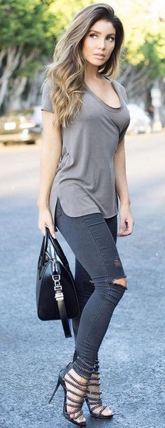 Casual Fall Fit - Trousers and T-shirt ensemble.