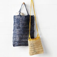 Crochet this open, airy bag that's perfect for a trip to the beach, park, or farmer's market.