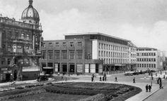 hotel Grand, vlevo palác Hybských, vpravo dřívější muzeum, dnes ...