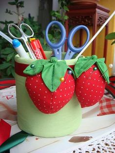 STAND with bed-strawberry FOR Needlewoman .. Discussion on LiveInternet - Russian Service Online Diaries