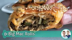 Big Mac Rolls - een lekker recept van SterkInDeKeuken Big Mac, Food N, Good Food, Food And Drink, Yummy Food, Tapas Menu, Burger Buns, Brunch, Rolls