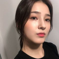 Nancy Jewel Mcdonie, Nancy Momoland, Beautiful Girl In India, Ulzzang Korean Girl, Cute Beauty, Western Outfits, Girl Pictures, Kpop Girls, Without Makeup