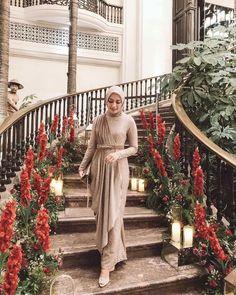 Kebaya Modern Hijab, Model Kebaya Modern, Kebaya Hijab, Kebaya Dress, Batik Kebaya, Hijab Gown, Hijab Evening Dress, Hijab Dress Party, Hijab Style Dress