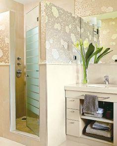 Doce duchas, platos y mamparas