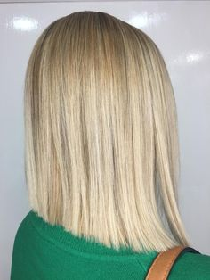 Blonde. Highlights. Blunt Cut. Bob. Blunt Cuts, Blonde Highlights, Stylists, Bob, Make Up, Long Hair Styles, Beauty, Blonde Chunks, Blond Highlights