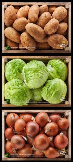 """マクドナルドのトレーを野菜でいっぱいに。品質と消費者との距離を縮める店頭コミュニケーション。 ヨーロッパの地中海に浮かぶ島国、マルタ共和国で実施されたダイレクト広告をご紹介。 クライアントはマクドナルド。  同社が食材の品質へのこだわりを伝えるために制作したクリエイティブがこちらです。   ファストフード店ではおなじみのトレーに敷くシート。これをメディアとして、そこにリアルなトマト、ジャガイモ、キャベツなどをそれぞれプリントしました。  トレーを持つとまるで自分自身が、新鮮な野菜のいっぱい詰まった木箱を持っているようになります。  コピーは、""""Quality starts at the hands of our farmers.(品質は、私たちが契約している農家の方々の手からはじまっています。)""""。  食べている間中、ずっと目の前にあるトレーを、消費者との距離が近いダイレクトなメディアへと変えたケース"""