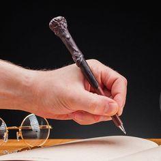Stylo à bille baguette magique de Harry Potter.