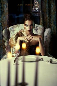 Appetizingly Rich Jewelry Ads - The L'amore Excellent Campaign is Darkly Delectable (GALLERY)
