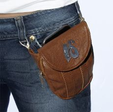 Belt diy ideas – … - Famous Last Words Hip Purse, Hip Bag, Diy Jewelry Unique, Diy Jewelry Making, Leather Craft, Leather Bag, Brown Leather, Stoff Design, Leather Projects