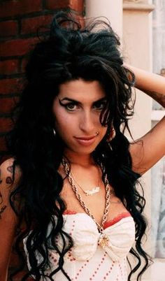 Amy Winehouse had such an amazing voice and her music was fun to listen to. Gotta love a little 60s inspiration.