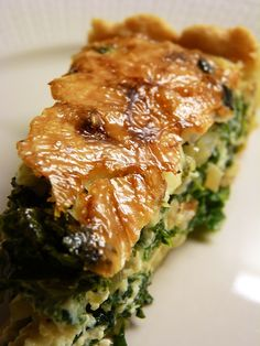 Delicious pie with kale. Pomegranate Salad, Spanakopita, Dinner Tonight, Kale, Risotto, Tapas, Clean Eating, Pork, Food And Drink