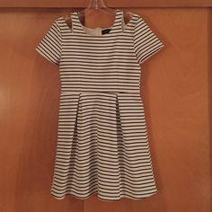 TopShop Dress Black/white striped. Bought at Nordstrom TopShop. Brand is MinkPink. Zip up the back Topshop Dresses