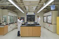 laboratory interior - Szukaj w Google Kite Hill, Food Lab, White Lab, Intelligent Design, Learning Spaces, Garage Workshop, Research, Architecture Design, Architecture