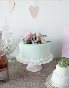 in LOVE with this cake!