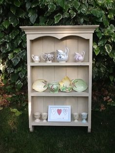 A really pretty little dresser shelf, painted in Old Ochre Annie Sloan paint, and distressed. Was dark, and dismal, now looking light and lovely : ) x