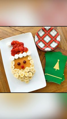 Christmas Tree Veggie Tray, Christmas Snacks, Christmas Recipes, Holiday Recipes, Christmas Porch, Holiday Ideas, Merry Christmas, Meat And Cheese Tray, Star Cookie Cutter