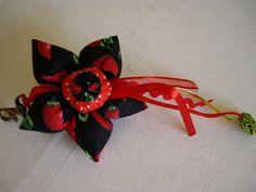chaveiro de flor de fuxico pimenta