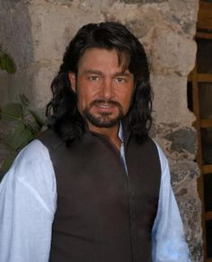 Fernando Colunga - OMG, WHY HAVEN'T I SEEN YOU BEFORE? WHERE ARE YOU? WHAT DO YOU DO FOR A LIVING? WHAT COUNTRY ARE YOU FROM? I WANT TO KNOW EVERYTHING ABOUT YOU.