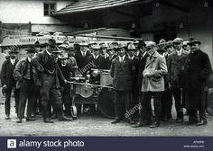 people-groups-peasants-and-workers-hallertau-bavaria-1930s-30s-machine-AFN3PB.jpg (1300×927)