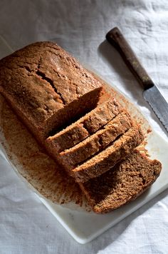 Here's my recipe for the best brown butter banana bread - A South African classic teatime treat - Get the recipe on Bibbyskitchen 4 Banana Bread Recipe, Ultimate Banana Bread Recipe, Peanut Butter Banana Bread, Vegan Banana Bread, Chocolate Banana Bread, Best Banana Bread, Baked Banana, Bread Recipes, Baking Recipes