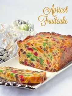 Apricot Fruitcake – This light apricot fruitcake recipe takes our very popular Apricot Raisin Cake and turns it into a moist and delicious Christmas fruitcake or as a delicious tea cake at any time of the year. Try the pared down apricot raison cake versi Tea Cakes, Food Cakes, Cupcake Cakes, Fruit Cakes, Baking Recipes, Cake Recipes, Yummy Recipes, Bolo Grande, Healthy Cooking Recipes