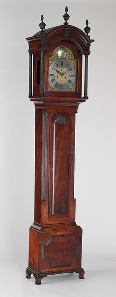 1789 American (Rhode Island) Tall clock at the Metropolitan Museum of Art, New York