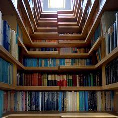 Imagine THESE bookshelves on your staircase. Or these stairs in/on your bookcase. Or, er, ummm. Home Design Diy, House Design, Design Ideas, Interior Design, Book Design, Creative Design, Staircase Bookshelf, Bookshelf Design, Bookshelf Ideas