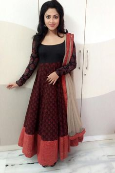 Amala Paul in beautiful black anarkali