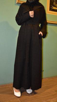 عباية أسود مربعات مع جيوب أمامية وربطة بالنص تحتوي على عدة مقاسات متوفرة ومناسبة للجميع المقاسات 52و54 و56 و58 و60. Normcore, High Neck Dress, Dresses, Design, Style, Fashion, Turtleneck Dress, Vestidos, Swag
