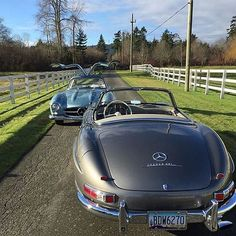 Roadster or Gullwing? Photo by @silverarrowcars #MBCar #Car #Cars #Mercedes #MercedesBenz #ClassicCars
