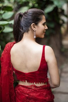 Buy Designer Blouses online, Custom Design Blouses, Ready Made Blouses, Saree Blouse patterns at our online shop House of Blouse from India. Saree Blouse Patterns, Sari Blouse Designs, Fancy Blouse Designs, Red Blouse Saree, Red Saree, Back Design Of Blouse, Full Sleeves Blouse Designs, Choli Blouse Design, Maroon Saree