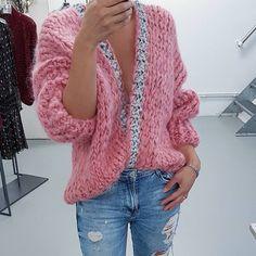 Mohair Sweater, Knit Cardigan, Sweater Knitting Patterns, Hand Knitting, Kiro By Kim, Cool Sweaters, Knit Fashion, Knit Crochet, Crochet Summer