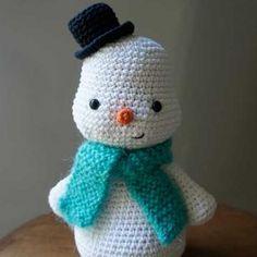 Toto's snowman - Free amigurumi pattern
