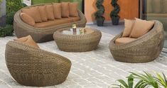 Top ideas from the best interior designers. Add a touch of Vintage beauty to your interiors. The perfect artistic niche that you require is ready. Rattan Furniture, Outdoor Furniture Sets, Outdoor Decor, Best Interior, Interior Design, Persian Carpet, Vintage Beauty, Kilim Rugs, Hanging Chair