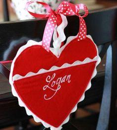Valentine Crafts   Valentine Craft Ideas   Felt Valentine Holders — Country Woman Magazine