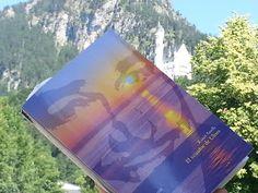 INQUIETUDES: Errol Flynn en Mallorca, de la mano de  Roser Amil... Errol Flynn, Magazines, Articles, Books, Majorca, Journals, Libros, Book, Book Illustrations
