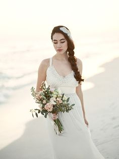 Romantic beach wedding inspiration | Photo by Jennifer Pharr Photography | Read more - http://www.100layercake.com/blog/?p=77292