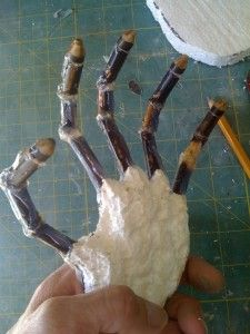 Since many of the prop builds featured on HauntersList involve PVC frames it's probably not a bad idea to post another tutorial on how to create hands for those