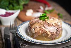 Huspenina je priam liek, a ešte k tomu v mimoriadne chutnom a voňavom balení. Ukrainian Recipes, Russian Recipes, National Dish, Borscht, Cabbage Rolls, The Dish, Stuffed Mushrooms, Cooking Recipes, Favorite Recipes