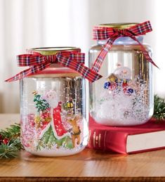 Mason jar Christmas centerpieces make Christmas decorations all the more special as they have a special country charm to them. Christmas Mason Jars, Christmas Centerpieces, Diy Christmas Ornaments, Christmas Decorations To Make, Holiday Crafts, Christmas Ideas, Pot Mason Diy, Mason Jar Crafts, Decorating With Snowmen