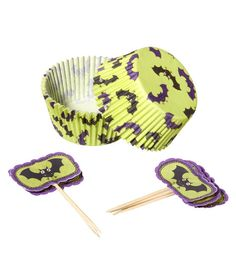 Foodcrafting Inspirations Bat baking cup with pick