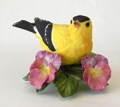 Lenox American Goldfinch Garden Bird figurine