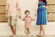 Family Maternity Shoot | Snider Shots Photography -- really like this family shot