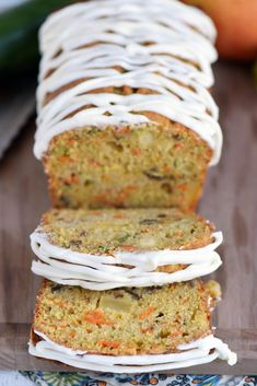 This Carrot Apple Zucchini Bread recipe is incredibly moist and flavorful! Vibrant colors from the carrot, apple, and zucchini makes this quick bread irresisitble! // Mom O (Quick Bread Recipes) Apple Zucchini Bread, Lemon Zucchini Cakes, Zucchini Bread Recipes, Apple Bread, Healthy Zucchini, Healthy Cake, Dessert Bread, Dessert Recipes, Quick Bread
