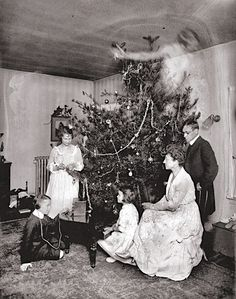 Real Ghost Pictures: A Christmas Haunting - Paranormal 360