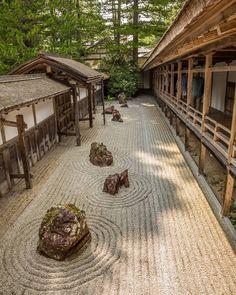 The banryūtei, rock garden, suggests a pair of dragons emerging from clouds to protect the temple. . .#kongobuji #koyasan #temple . . #lovers_nippon #loves_nippon #ptk_japan #explorejapan #jp_gallery #pics_jp #phos_japan #lovejapan . . #photooftheday #igers #bestoftheday #instagood #instagramphotos #beautifuldestinations #webstagram #landscape #tagstsgram #beautifuldestinations #instalove #likers #followers #canon5d3 #liveforthestory #lifeforthestory #instatravel
