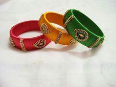 Silk Thread Bangles, Thread Jewellery, Beaded Necklace Patterns, Bracelet Set, Jewelery, Handmade Jewelry, Jewelry Design, Bridal Sarees, Quill