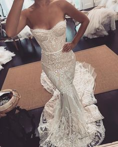 Mermaid Wedding Dresses With Sleeves That Suite Every Theme - Mermaid gowns have a timeless trendiness, and we are showcasing an even more niche trend