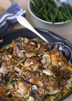 Luxury chicken pan with mushroom – with or without cream – Oppskrifters Healthy Snacks, Healthy Recipes, Danish Food, Swedish Recipes, Danish Recipes, Small Meals, Happy Foods, I Love Food, Chicken Recipes