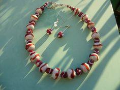 167A Collier petites perles grises et rouges | Flickr: partage de photos!